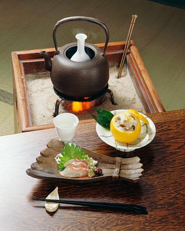 Sake「Sake and plate of sliced fish」:スマホ壁紙(17)