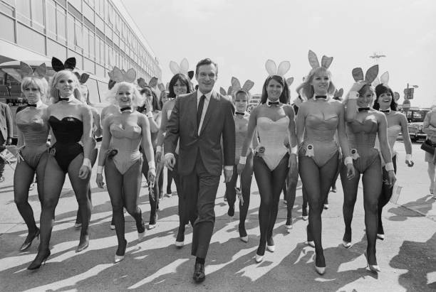Walking「Playboy Comes To London」:写真・画像(14)[壁紙.com]