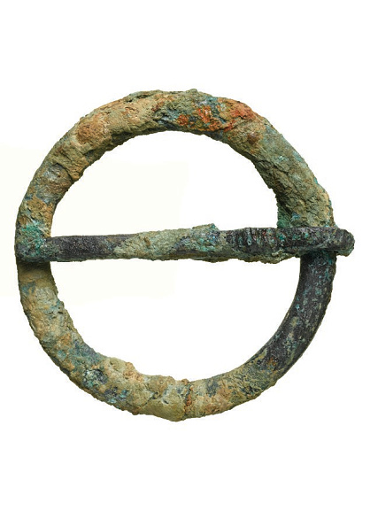 Mid Adult「A Mid 14th-Century Copper-Alloy Buckle/Brooch」:写真・画像(11)[壁紙.com]