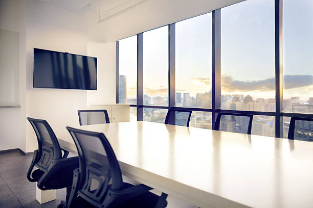 Meeting room with view of cityscape sunset:スマホ壁紙(壁紙.com)