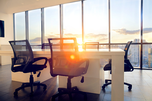 Beijing「Meeting room with cityscape sunflare and sunset」:スマホ壁紙(9)