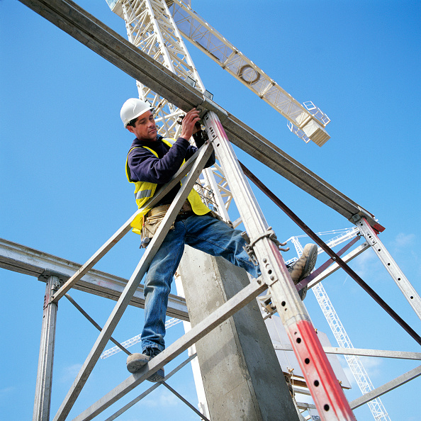 Construction Equipment「Erecting a scaffolding tower」:写真・画像(11)[壁紙.com]