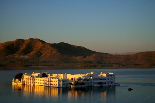 Lake Palace「India, Udaipur, Lake Palace Hotel」:スマホ壁紙(16)