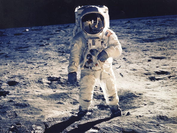 Space Exploration「35th Anniversary Of Apollo 11 Landing On The Moon」:写真・画像(0)[壁紙.com]