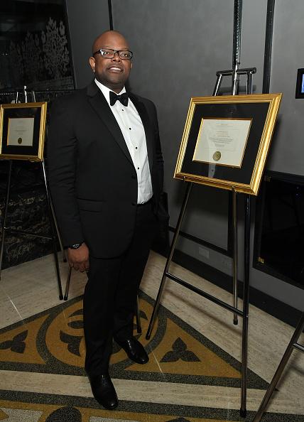 エメカ オカフォー「Best Of Africa Forbes International Award Oil And Gas Person Of The Year」:写真・画像(5)[壁紙.com]