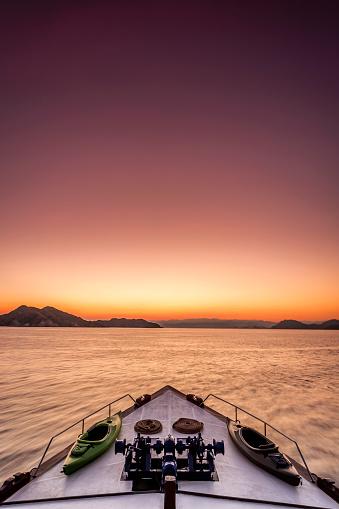 Cruise - Vacation「Dramatic sunrise at sea on a luxury yacht」:スマホ壁紙(2)