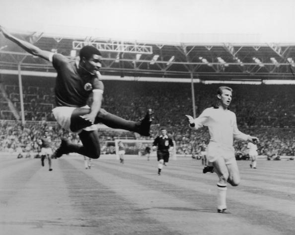 Soccer「Eusebio Scores」:写真・画像(15)[壁紙.com]