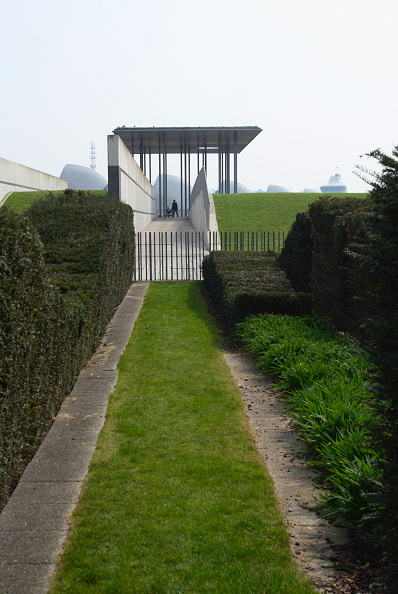 Concrete「Pavilion of Remembrance at Thames Barrier Park, East London, UK」:写真・画像(15)[壁紙.com]