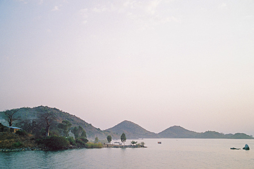 Lake Victoria「Remote African Village」:スマホ壁紙(2)