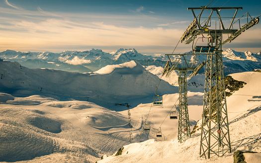 スノーボード「一日の終わりにはヴェルビエ スキー リゾート」:スマホ壁紙(9)