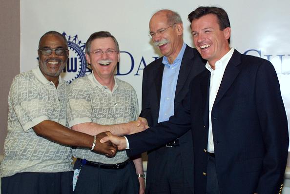 ダイムラーAG「DaimlerChrysler/UAW Begin 2003 Auto Industry Negotiations」:写真・画像(8)[壁紙.com]