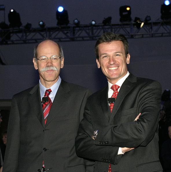 ダイムラーAG「DaimlerChrysler Unveils New Minivan 'Stow 'N Go' Feature」:写真・画像(3)[壁紙.com]