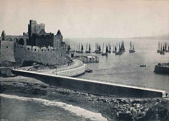 Causeway「Peel - The Old Castle And Harbour」:写真・画像(8)[壁紙.com]