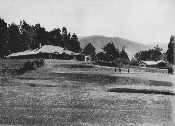 Crockery「'18th Hole and Club House, Golf Links, Nuwara Eliya, Elevation 6,200 Feet', c1890,」:写真・画像(1)[壁紙.com]