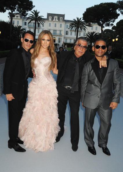 Long Hair「2010 amfAR's Cinema Against AIDS Gala - Roaming Arrivals」:写真・画像(0)[壁紙.com]