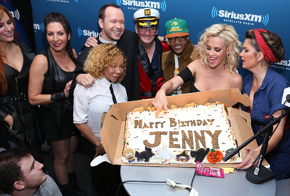 """Rob Kim「Jenny McCarthy Hosts A Halloween Costume Party At The SiriusXM Studios To Celebrate The Launch Of Her New Exclusive Live Daily SiriusXM Show """"Dirty, Sexy, Funny with Jenny McCarthy""""」:写真・画像(13)[壁紙.com]"""