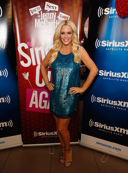 "Middle Hair Part「Jenny McCarthy Hosts ""Singled Out...Again"" On Her Exclusive SiriusXM Show, ""Dirty, Sexy, Funny With Jenny McCarthy""」:写真・画像(0)[壁紙.com]"