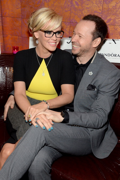Jenny McCarthy「Pandora Jewelry Presents A Pre- Mother's Day Dinner With Jenny McCarty And Friends」:写真・画像(14)[壁紙.com]