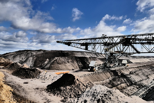 Lignite「Bucket wheel excavator in a lignite mine」:スマホ壁紙(14)