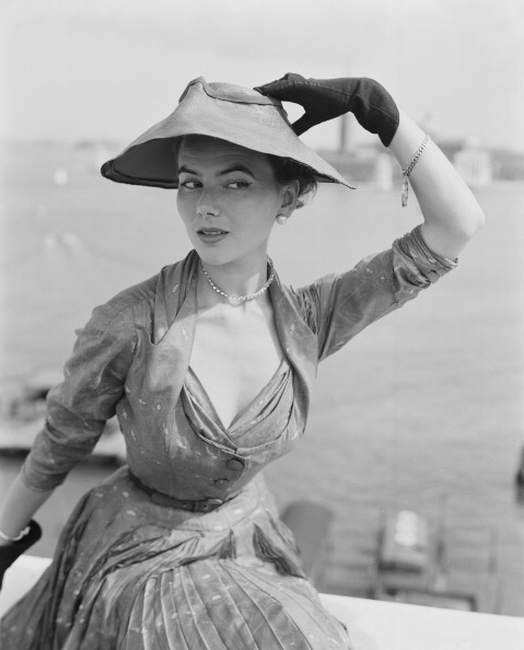 Christian Dior Dress「Dior In Venice」:写真・画像(1)[壁紙.com]