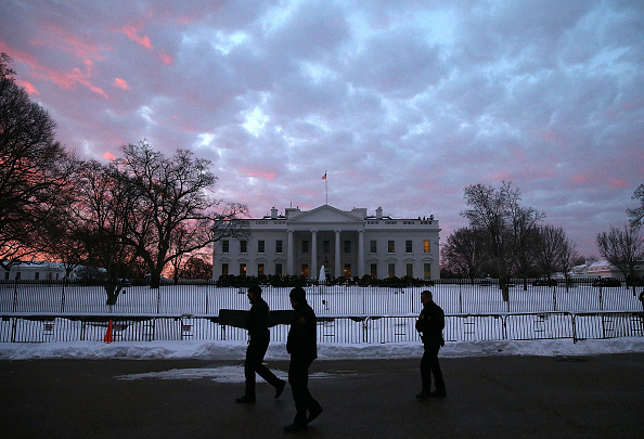 Snow「Washington, D.C. Area Continues To Dig Out From Historic Snow Storm」:写真・画像(3)[壁紙.com]