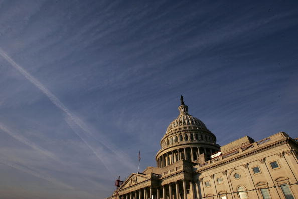 Outdoors「Balance Of Power At Stake As Midterm Elections Draw Near」:写真・画像(1)[壁紙.com]