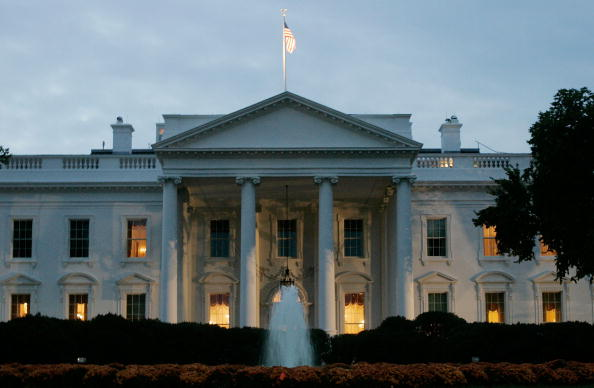 White House - Washington DC「White House Braces For Possible Indictments In CIA Leak Case」:写真・画像(11)[壁紙.com]