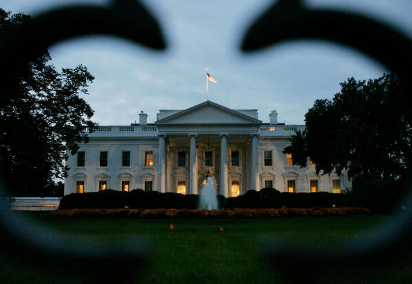 White House - Washington DC「White House Braces For Possible Indictments In CIA Leak Case」:写真・画像(8)[壁紙.com]