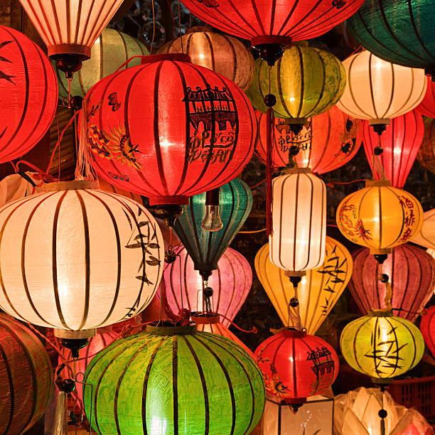 Silk lanterns in Hoi An city, Vietnam:スマホ壁紙(壁紙.com)