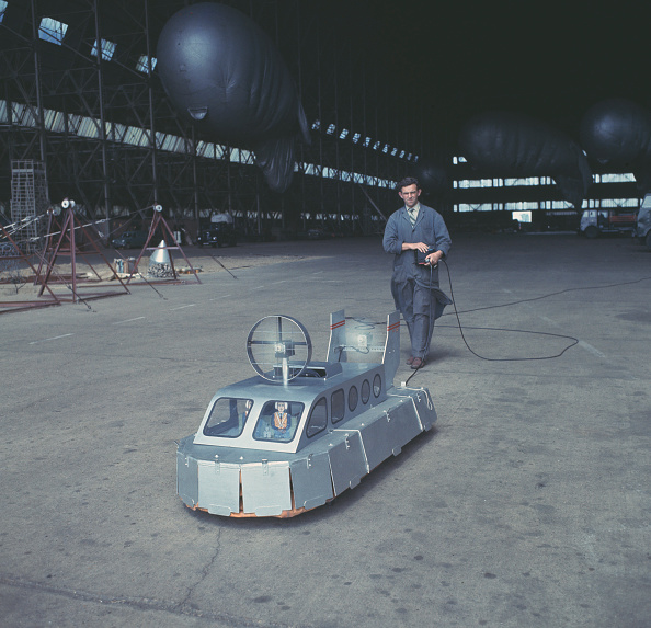 Passenger Craft「Remote Control Hovercraft」:写真・画像(14)[壁紙.com]