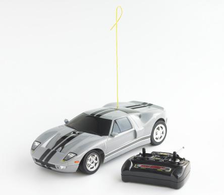 Leisure Games「Remote controoled car, studio shot」:スマホ壁紙(16)