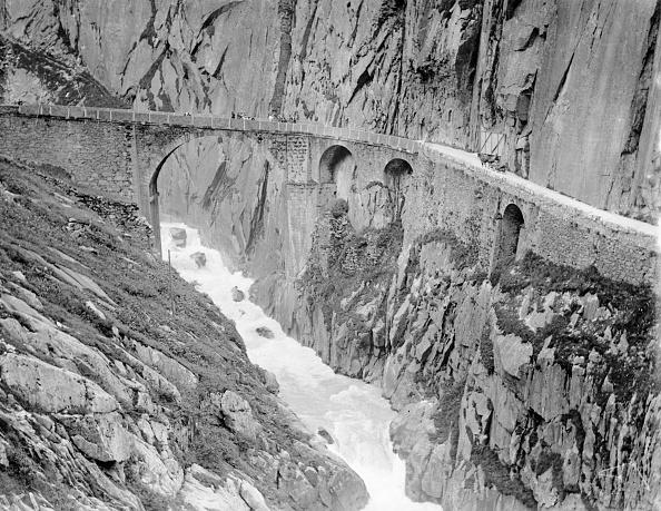 Month「Devil's Bridge」:写真・画像(19)[壁紙.com]