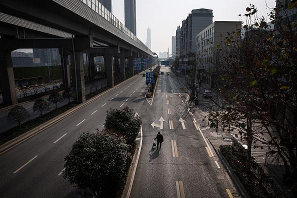 男「Daily Life In Wuhan During Lockdown」:写真・画像(8)[壁紙.com]