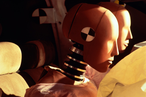 Crash Test Dummy「Crash-test dummies inside car with inflated airbags, close-up」:スマホ壁紙(10)