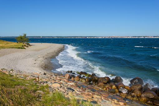 Helsingor「Pebble Beach with Stone Breakwater」:スマホ壁紙(6)
