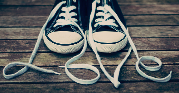 Shoelace「Canvas shoes and shoelaces spelling the word love」:スマホ壁紙(13)