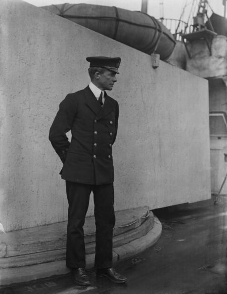 The Montifraulo Collection「Naval Officer Onboard Ship」:写真・画像(6)[壁紙.com]