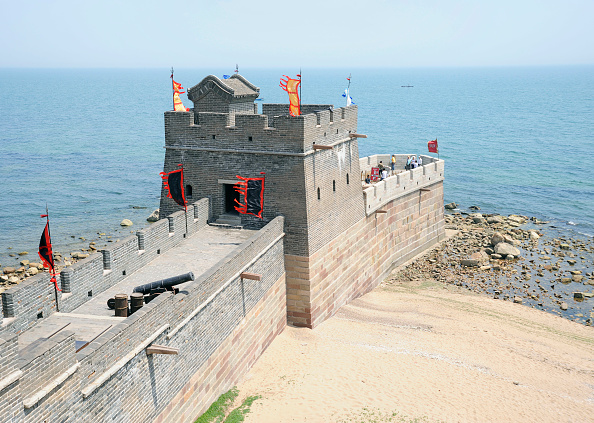 Hebei Province「The Great Wall of China at Shanhaiguan, Hebei province, where the Great Wall meets the sea. This section was rebuilt in 1987.」:写真・画像(18)[壁紙.com]