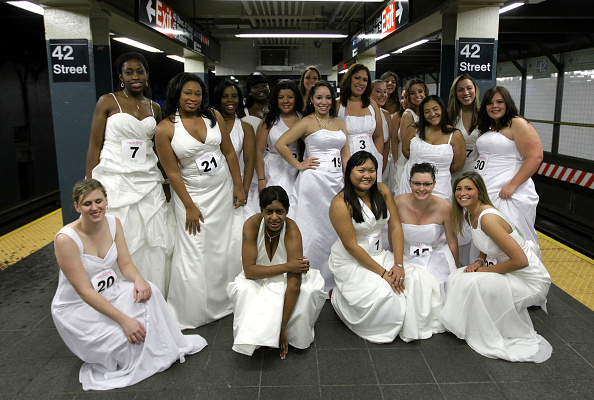 "Stunt「Wedding Central ""If The Shoe Fits"" Stunt At The W Times Square」:写真・画像(18)[壁紙.com]"