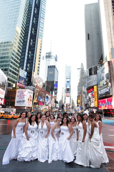 "Stunt「Wedding Central ""If The Shoe Fits"" Stunt At The W Times Square」:写真・画像(19)[壁紙.com]"