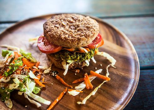 Veggie Burger「Burger for vegetarians. Burger with falafel.」:スマホ壁紙(14)