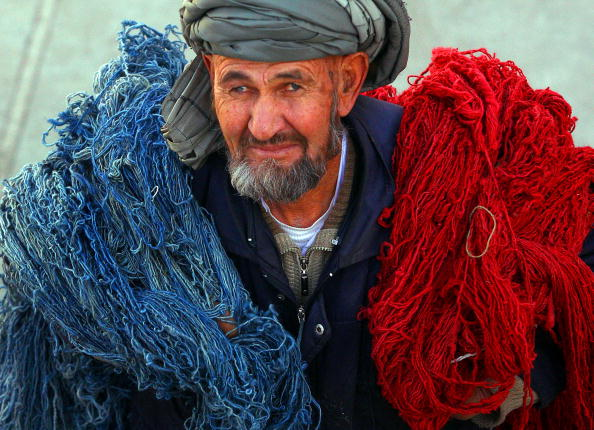 Kabul「Afghans Produce Highly Prized Rugs In Kabul」:写真・画像(10)[壁紙.com]