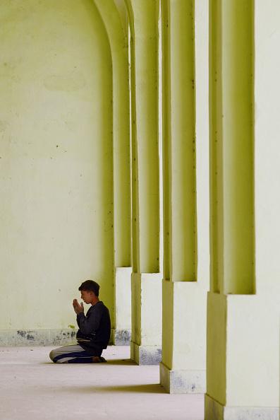 Month「Afghans Pray During First Day Of Ramadan」:写真・画像(11)[壁紙.com]