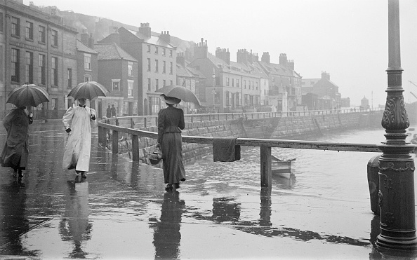 Yorkshire - England「A Rainy Day On Pier Road」:写真・画像(18)[壁紙.com]