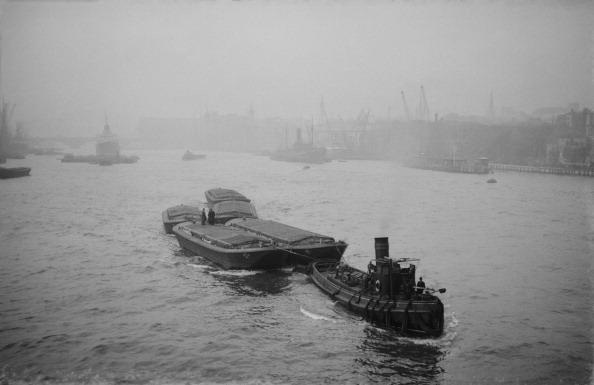 Passenger Craft「Boats On Busy River Thames」:写真・画像(1)[壁紙.com]