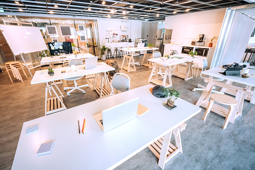 Bring Your Own Device「Wide Co-working Space」:スマホ壁紙(10)
