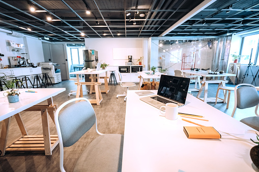 Bring Your Own Device「Wide Co-working Space」:スマホ壁紙(18)