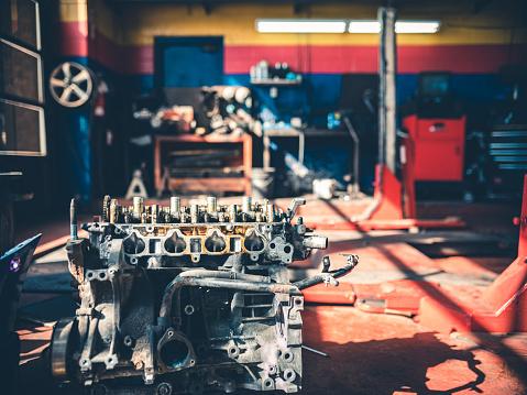 Real Life「Auto Mechanic Shop Interior」:スマホ壁紙(2)