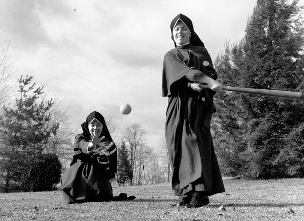 Baseball - Sport「Nuns Play Baseball」:写真・画像(6)[壁紙.com]