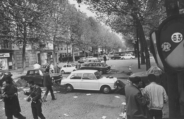 パリ「Riot Debris」:写真・画像(12)[壁紙.com]